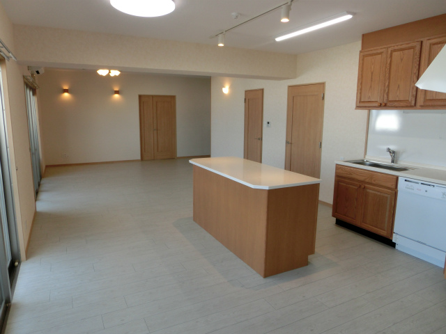 4B/R New Apt in Okinawa-city