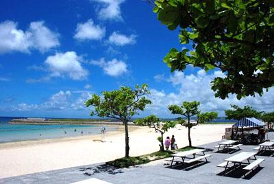 Hasil gambar untuk tropical beach okinawa