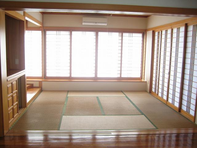 Japanese style Single House with Yard
